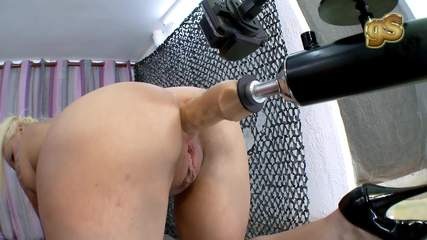 anal-sexmachines-ayesax Photo 02