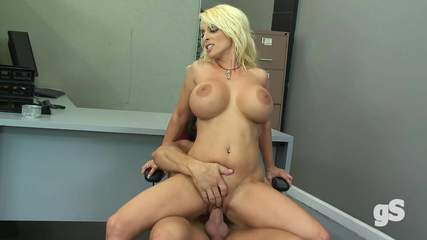 big-tits-holly-halston-porn Photo 07