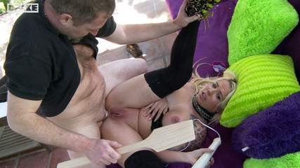 amateur-blonde-threesome Photo 07