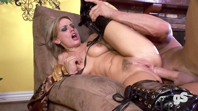 Hardcore classic porn with amazing blonde milf - GSporn